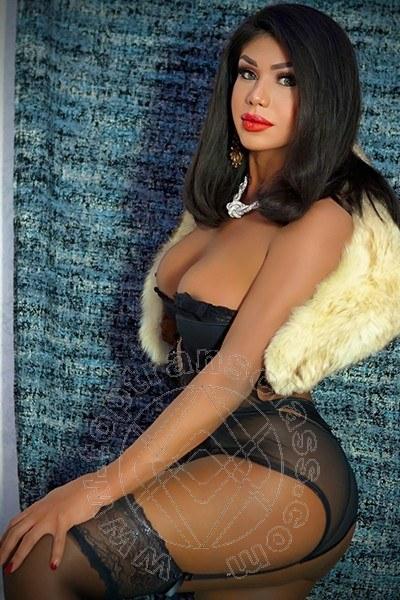 Monique Barros  LANCUSI 3207550850